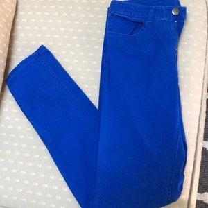 Blue pants/jeans 💙